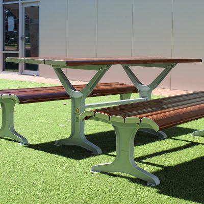 Gardens Table