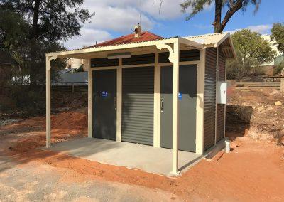 Burton Toilet Building – Waikerie SA