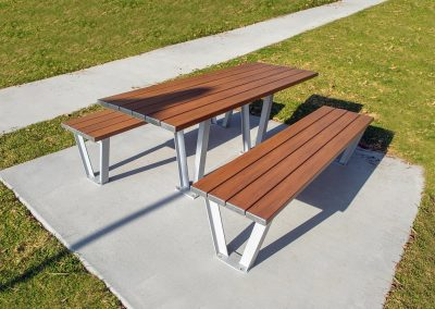 Monaco Aluminium Table Setting with TimberMatch