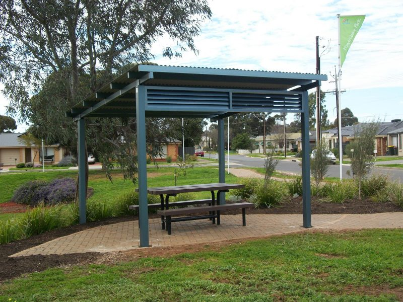 Skillion 4m x 4m Shelter with Louver Screening
