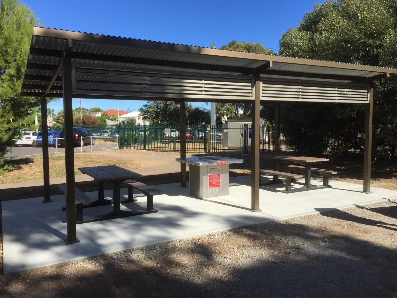 Skillion Shelter with Screening