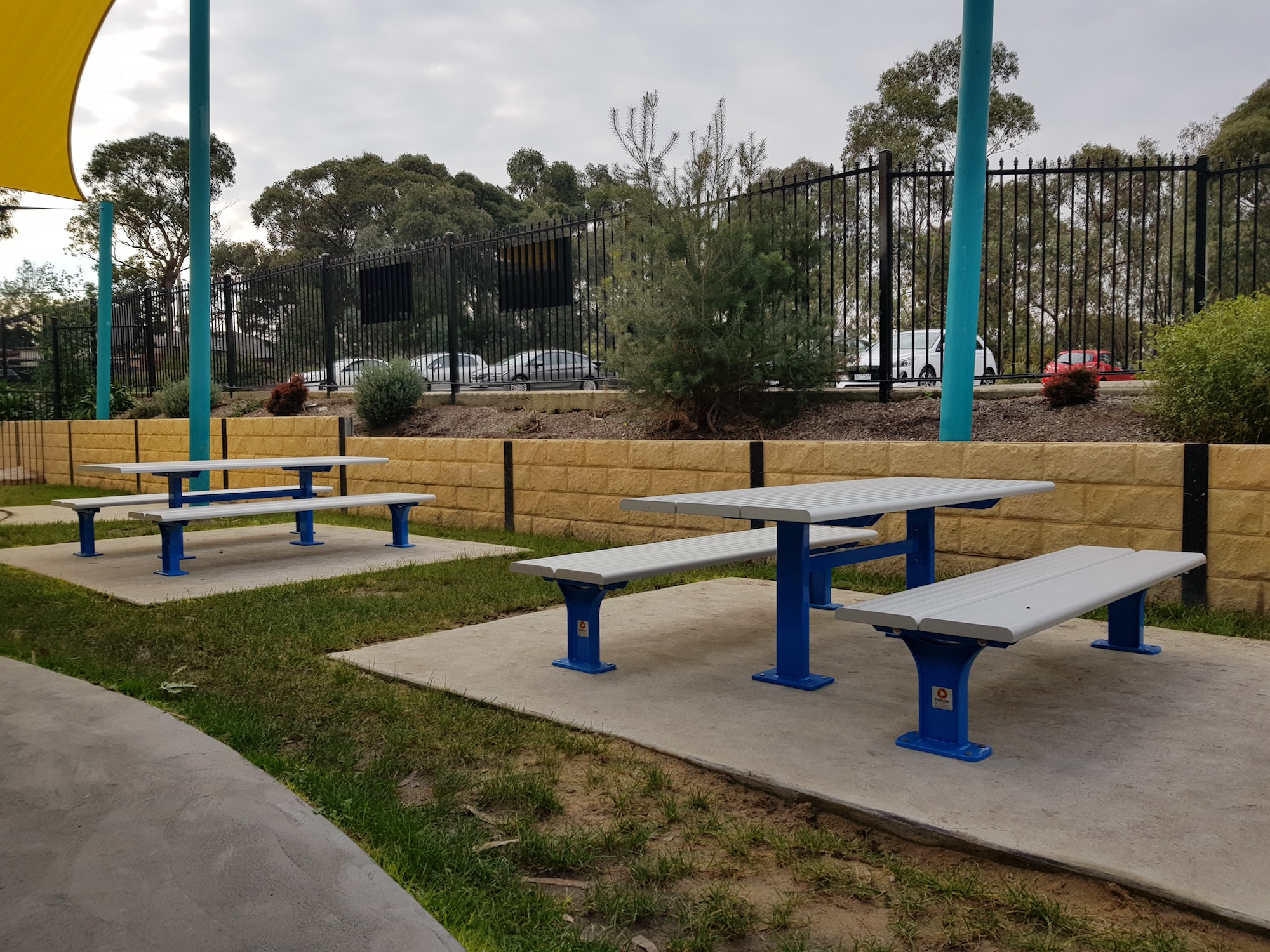 Just east of blackburn in melbourne contacted terrain group requesting a number of table settings for the outdoor areas of the school