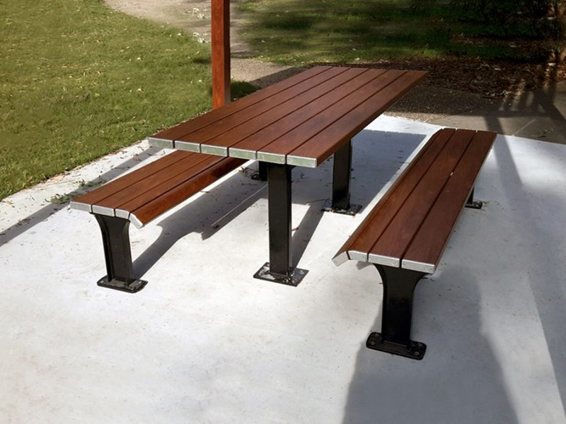Eco Boardwalk Table Setting with Timber Effecta