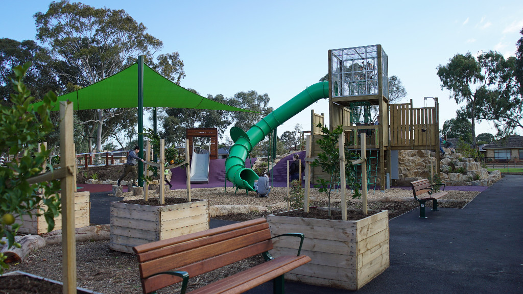 What makes Hendrie Street Reserve's playground inclusive?