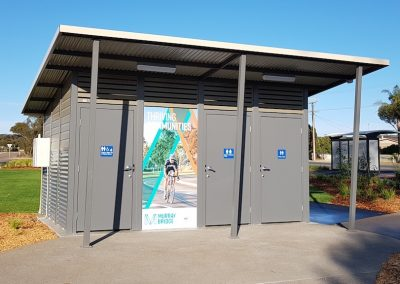 Yarra 3 Toilet Building
