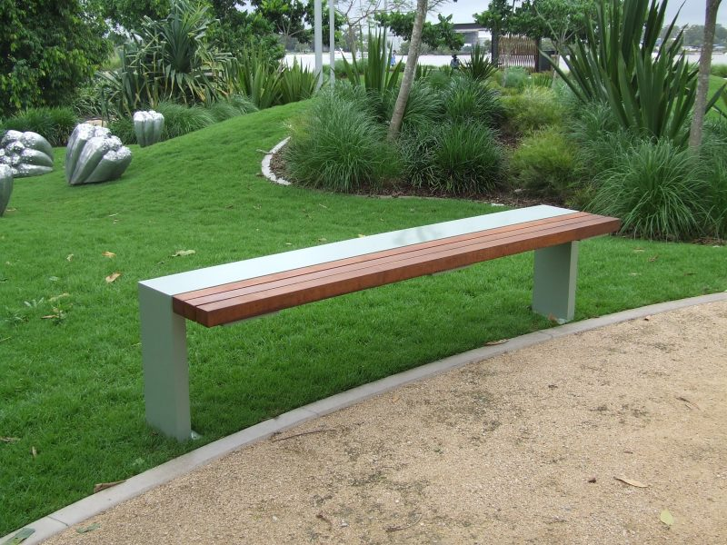 Monarch bench Timber